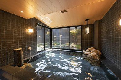 天然温泉を使用した露天風呂付大浴場